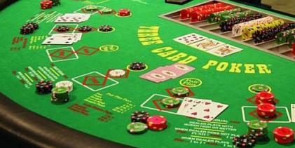 Стратегия за покер с три карти